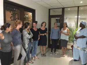 Uitleg tijdens de opleiding Kind in Kracht op Curacao