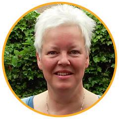 KiK opleiding: Margrete Stoute verzorgt de Workshop Spiegelen op Curaçao