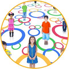 foto kinderen in gekleurde cirkels