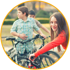 3 pubers op een fiets