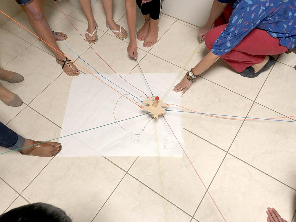spel tijdens les kik opleiding aruba om het samenwerken te bevorderen
